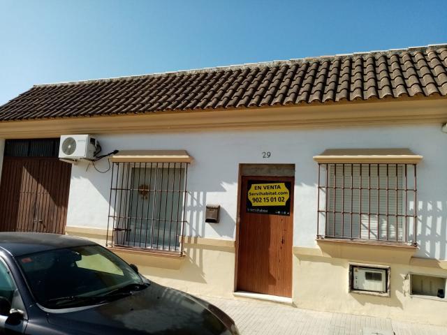 Casa en venta en Burguillos, Sevilla, Calle Velazquez, 87.000 €, 3 habitaciones, 2 baños, 120 m2