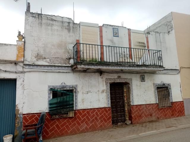 Casa en venta en Cantillana, Sevilla, Calle la Extremedura, 58.000 €, 5 habitaciones, 1 baño, 97 m2