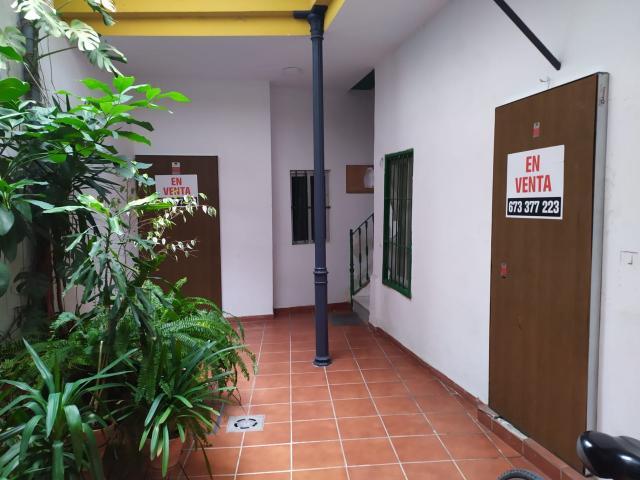 Piso en venta en Sevilla, Sevilla, Calle Duque Cornejo, 270.000 €, 4 habitaciones, 2 baños, 120 m2