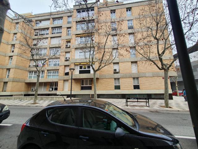 Piso en venta en Reus, Tarragona, Calle Antoni Gaudi, 95.000 €, 4 habitaciones, 2 baños, 106 m2
