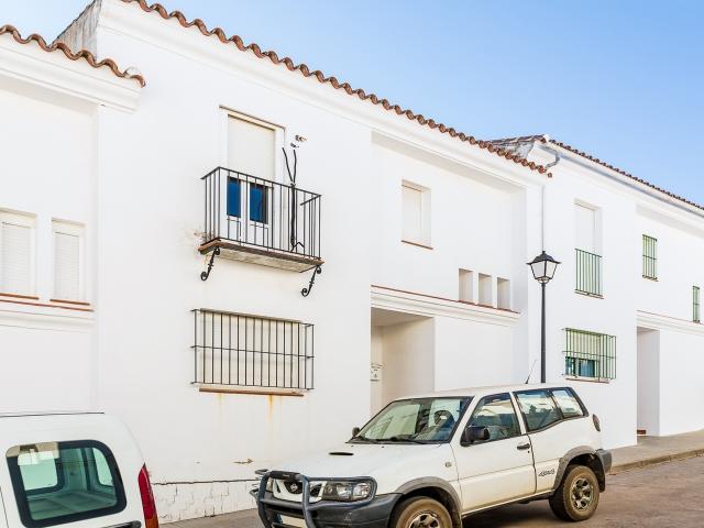 Piso en venta en Higuera de la Sierra, Huelva, Calle Paloseto, 85.000 €, 3 habitaciones, 2 baños, 101 m2