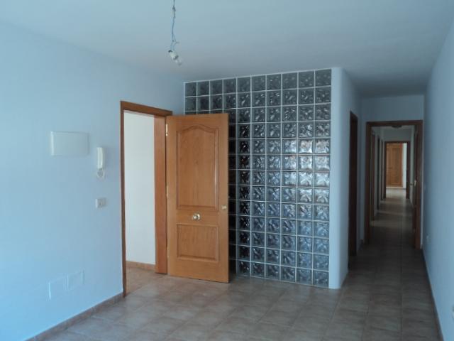 Piso en venta en Casillas del Ángel, Puerto del Rosario, Las Palmas, Calle Mozart, 80.000 €, 3 habitaciones, 1 baño, 87 m2