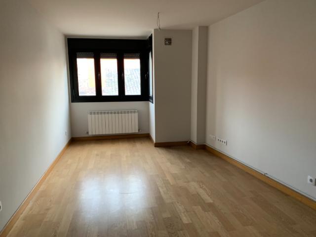 Piso en venta en Langreo, Asturias, Calle General Elorza, 38.000 €, 45 m2