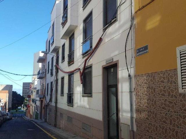Piso en venta en Ofra-costa Sur, Santa Cruz de Tenerife, Santa Cruz de Tenerife, Calle Juan Rodriguez Santos, 63.500 €, 81 m2