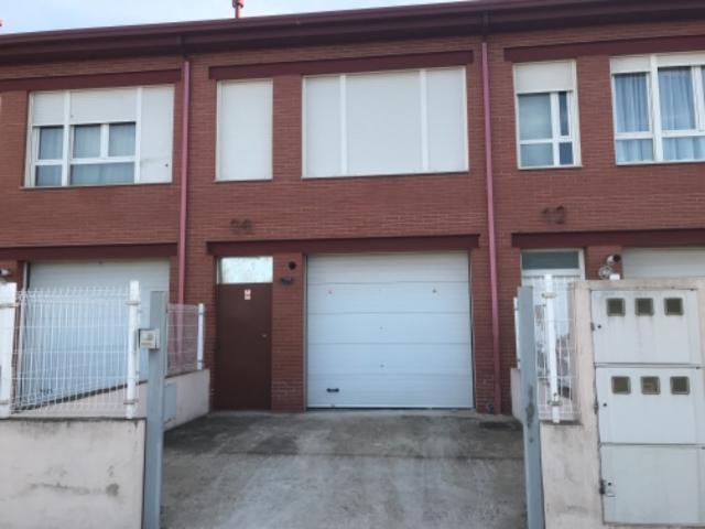 Casa en venta en Campo de Golf-polígono 13, Cabanillas del Campo, Guadalajara, Calle los Morales, 110.000 €, 168 m2