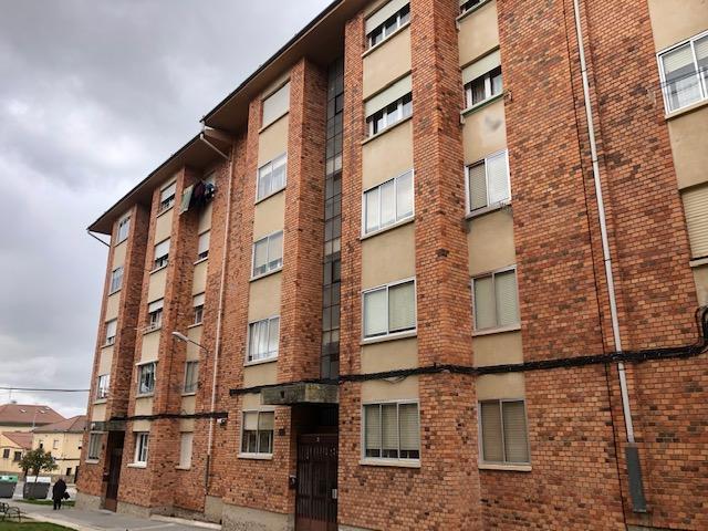 Piso en venta en Zamarramala, Segovia, Segovia, Plaza Caja de Ahorros, 52.000 €, 3 habitaciones, 1 baño, 87 m2
