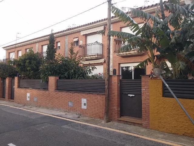 Casa en venta en Barri Immaculada, Reus, Tarragona, Calle la Germanor, 179.000 €, 4 habitaciones, 2 baños, 239 m2