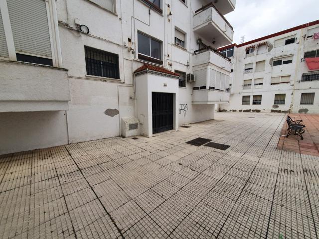 Piso en venta en Huelva, Huelva, Plaza Monseñor Jose Maria Escrivá de Balaguer, 62.500 €, 3 habitaciones, 1 baño, 88 m2
