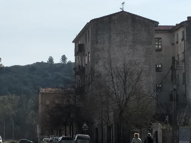 Piso en venta en Estella/lizarra, Navarra, Avenida Pamplona, 43.000 €, 3 habitaciones, 1 baño, 94 m2