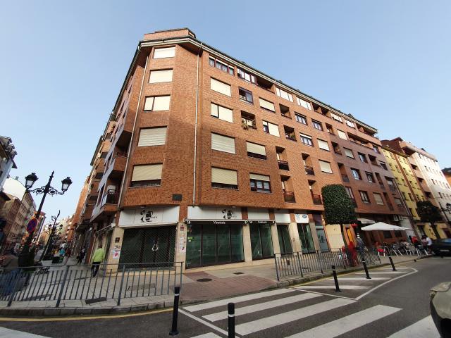 Piso en venta en La Corredoria Y Ventanielles, Oviedo, Asturias, Calle Puerto de San Isidro, 48.000 €, 1 habitación, 1 baño, 39 m2