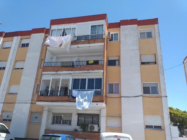 Piso en venta en Ayamonte, Huelva, Calle Punta Umbria, 55.920 €, 3 habitaciones, 1 baño, 128 m2