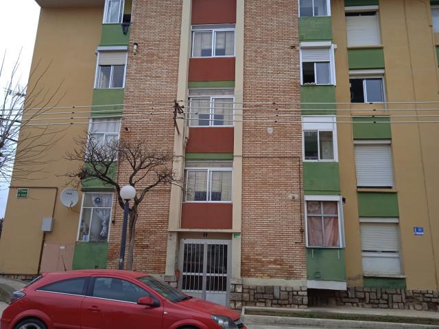 Piso en venta en Barrio del Perpetuo Socorro, Huesca, Huesca, Pasaje Rio Guarga, 29.000 €, 3 habitaciones, 1 baño, 52 m2