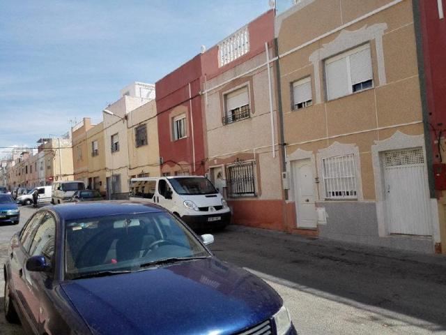 Casa en venta en Villa Blanca, Almería, Almería, Calle Sierra Morena, 65.713 €, 3 habitaciones, 2 baños, 109 m2