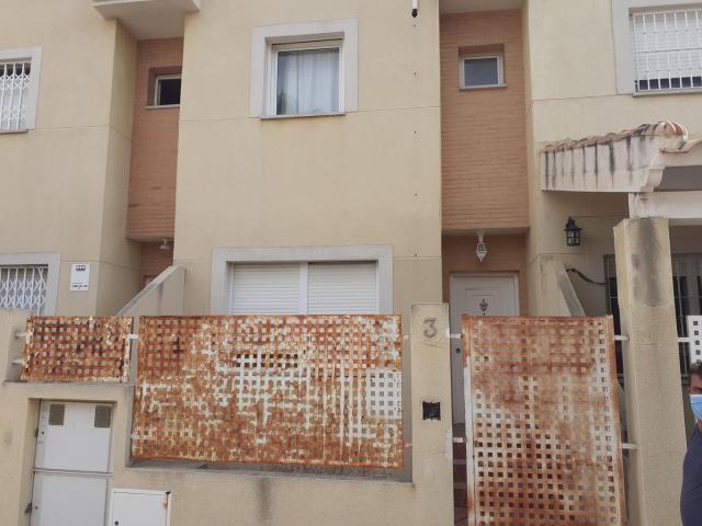 Casa en venta en Molins, Orihuela, Alicante, Calle Vicenta Vaillo, 105.000 €, 3 habitaciones, 2 baños, 169 m2