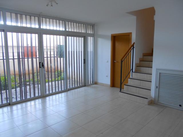 Casa en venta en Suroeste, Santa Cruz de Tenerife, Santa Cruz de Tenerife, Calle Gabino Jimenez, 240.000 €, 179 m2