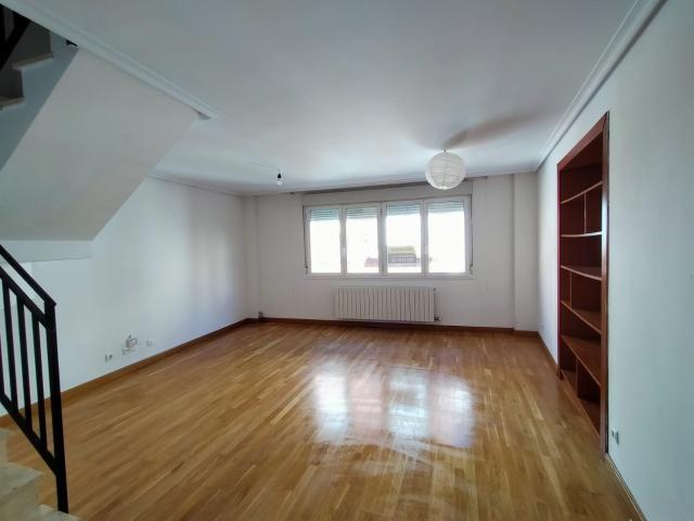 Piso en venta en Albelda de Iregua, Albelda de Iregua, La Rioja, Calle Pedro José Trevijano, 130.000 €, 3 habitaciones, 2 baños, 115 m2
