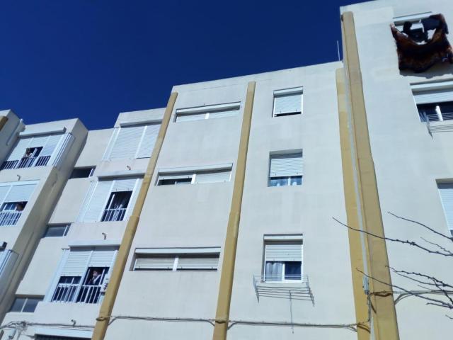 Piso en venta en Las Canteras, Puerto Real, Cádiz, Calle la Caña, 67.000 €, 2 habitaciones, 1 baño, 90 m2