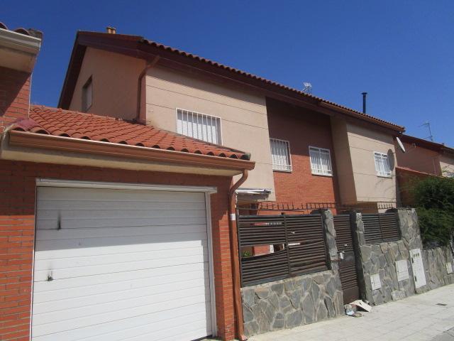 Casa en venta en Barrio Seseña Nuevo, Seseña, Toledo, Calle Lirios, 199.000 €, 4 habitaciones, 3 baños, 231 m2