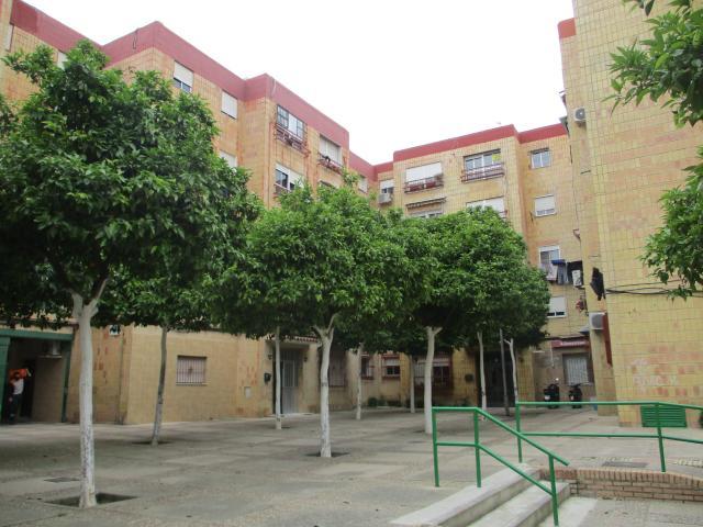 Piso en venta en Guadalcacín, Jerez de la Frontera, Cádiz, Plaza Ronda, 62.700 €, 3 habitaciones, 1 baño, 73 m2