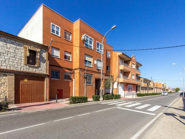 Piso en venta en Gerindote, Gerindote, Toledo, Carretera Torrijos, 45.000 €, 4 habitaciones, 2 baños, 164 m2