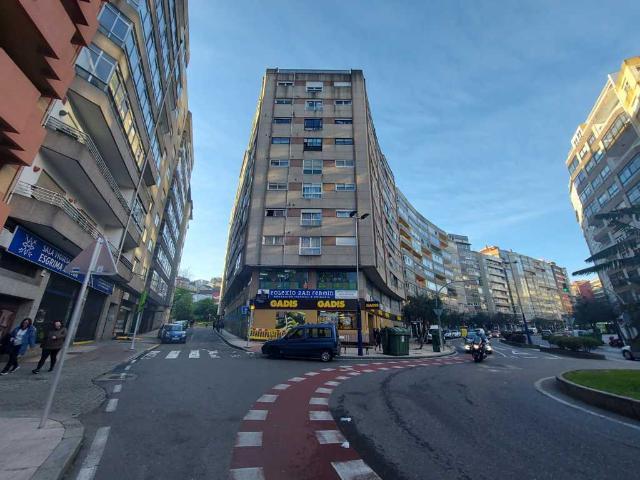 Piso en venta en San Xoán Do Monte, Pontevedra, Pontevedra, Calle Travesia de Vigo, 125.000 €, 3 habitaciones, 102 m2