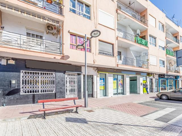 Piso en venta en Albox, Almería, Avenida Puente, 33.165 €, 3 habitaciones, 1 baño, 80 m2