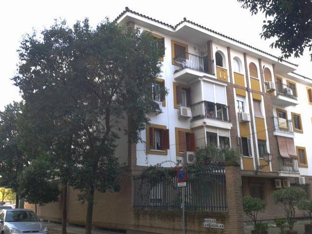 Piso en venta en Distrito Cerro-amate, Sevilla, Sevilla, Calle Aguila Perdicera, 117.855 €, 3 habitaciones, 2 baños, 113 m2