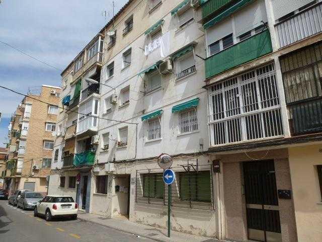 Piso en venta en Distrito Zaidín, Granada, Granada, Calle Paraguay, 65.800 €, 3 habitaciones, 1 baño, 64 m2