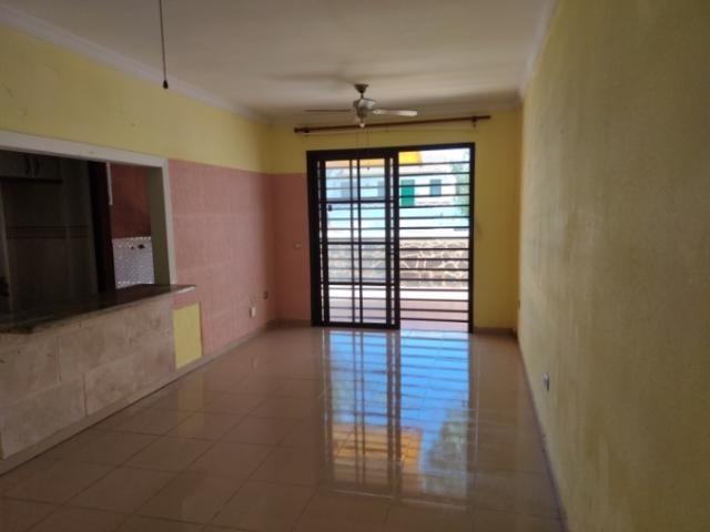 Piso en venta en Costa del Silencio, Arona, Santa Cruz de Tenerife, Calle Boreas, 149.700 €, 2 habitaciones, 1 baño, 79 m2