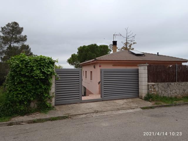 Piso en venta en La Font del Bosc, Mediona, Barcelona, Calle Viella, 197.000 €, 3 habitaciones, 2 baños, 180 m2