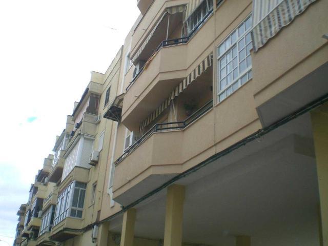 Piso en venta en Utrera, Utrera, Sevilla, Calle Cristobal Colon, 78.800 €, 3 habitaciones, 2 baños, 112 m2