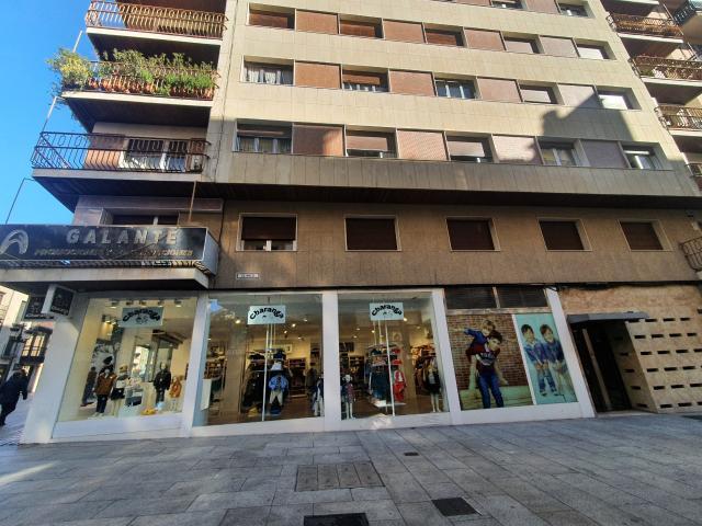 Piso en venta en Centro, Salamanca, Salamanca, Calle del Arco, 267.000 €, 5 habitaciones, 2 baños, 183 m2