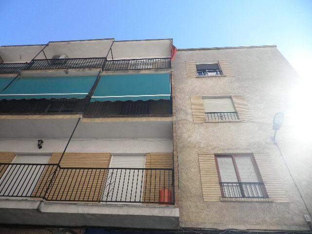Piso en venta en Albolote, Granada, Calle Parroco Segura,, 102.000 €, 3 habitaciones, 2 baños, 130 m2