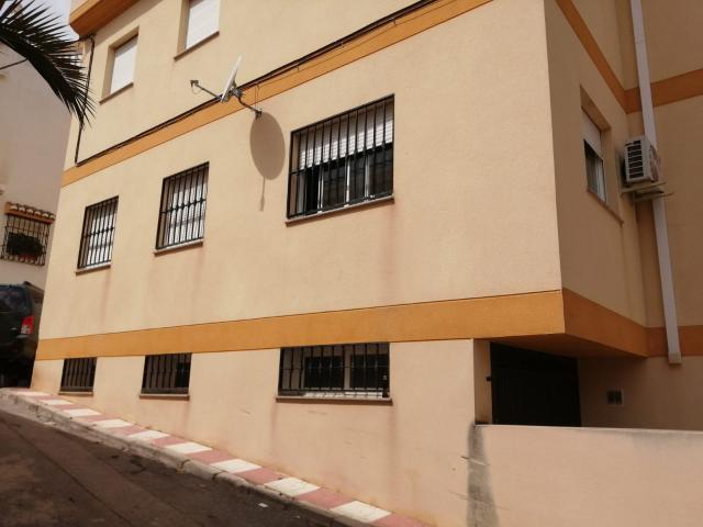 Piso en venta en Villa de Otura, Otura, Granada, Calle Santísima Trinidad, 59.000 €, 79 m2