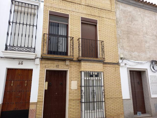 Casa en venta en La Puebla de Cazalla, Sevilla, Calle del Cherito, 84.400 €, 3 habitaciones, 2 baños, 148 m2