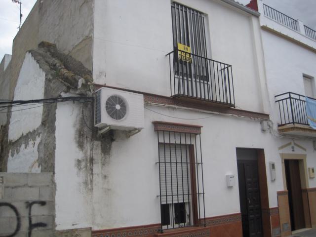 Casa en venta en La Campana, la Campana, Sevilla, Calle Cerrillo, 77.100 €, 3 habitaciones, 1 baño, 187 m2