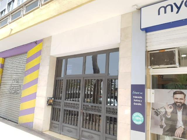 Piso en venta en Valencia, Valencia, Calle Nicolau Primitiu Gomez Serrano, 129.000 €, 4 habitaciones, 116 m2