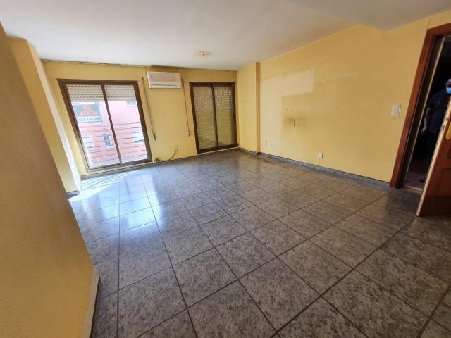 Piso en venta en Urbanización Amelia, Cuarte de Huerva, Zaragoza, Calle Ramon Y Cajal, 83.000 €, 2 habitaciones, 1 baño, 83 m2