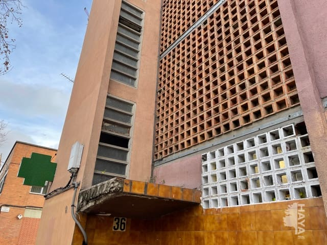 Piso en venta en Sant Martí, Barcelona, Barcelona, Calle Jaume Huguet, 68.000 €, 2 habitaciones, 1 baño, 41 m2