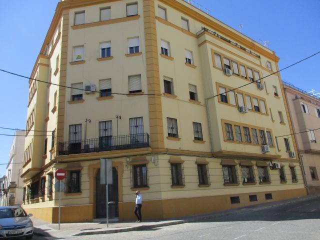 Piso en venta en Los Albarizones, Jerez de la Frontera, Cádiz, Plaza Santiago, 117.900 €, 4 habitaciones, 2 baños, 123 m2