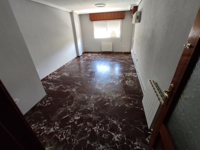 Piso en venta en Linares, Jaén, Calle Pintor Pablo Picasso, 75.700 €, 1 baño, 116 m2