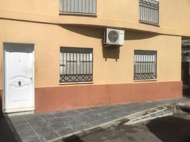 Casa en venta en Coria del Río, Sevilla, Calle Villalba, 72.000 €, 2 habitaciones, 2 baños, 102 m2