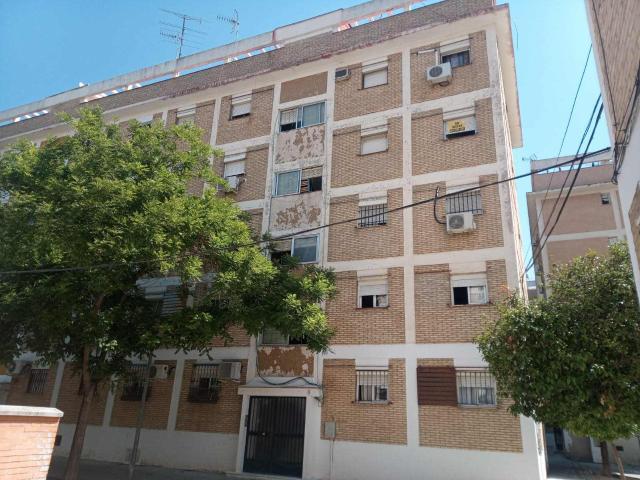Piso en venta en Distrito San Pablo-santa Justa, Sevilla, Sevilla, Plaza Belmonte Barrio, 50.000 €, 3 habitaciones, 1 baño, 58 m2