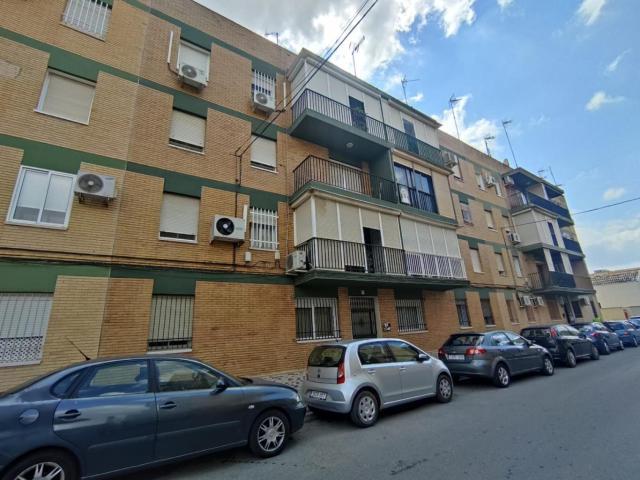 Piso en venta en Alcalá de Guadaíra, Sevilla, Calle Gracía Saenz de Tejada, 58.000 €, 3 habitaciones, 1 baño, 83 m2