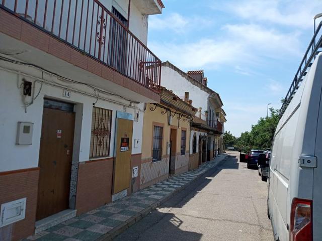 Piso en venta en Burguillos, Burguillos, Sevilla, Avenida Cruz de la Ermita, 64.000 €, 3 habitaciones, 1 baño, 109 m2