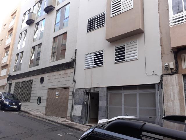 Piso en venta en Centro-ifara, Santa Cruz de Tenerife, Santa Cruz de Tenerife, Calle Duggi, 165.000 €, 2 habitaciones, 1 baño, 84 m2