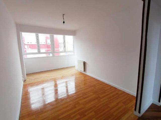 Piso en venta en Marqués de Valdecilla, Santander, Cantabria, Calle Bajada de la Calzada, 91.700 €, 3 habitaciones, 1 baño, 72 m2