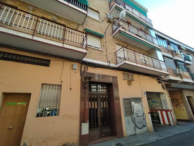 Piso en venta en Madrid, Madrid, Calle Antonio Antoranz, 119.000 €, 2 habitaciones, 1 baño, 55 m2