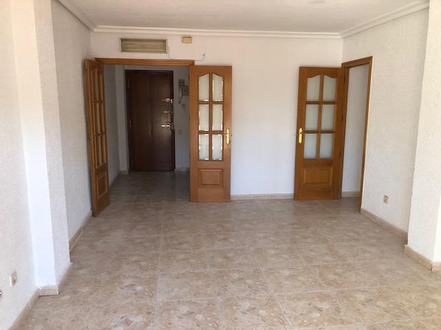 Piso en venta en Infante Juan Manuel, Murcia, Murcia, Avenida San Juan de la Cruz, 128.000 €, 3 habitaciones, 1 baño, 83 m2