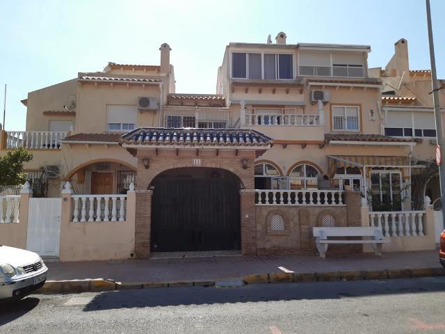 Casa en venta en Orihuela Costa, Orihuela, Alicante, Calle Nicolas Bussi, 151.100 €, 3 habitaciones, 2 baños, 92 m2